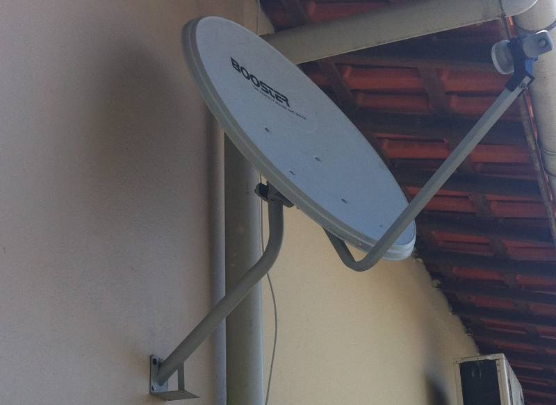 Antena Parabólica Banda KU 60 cm - Booster